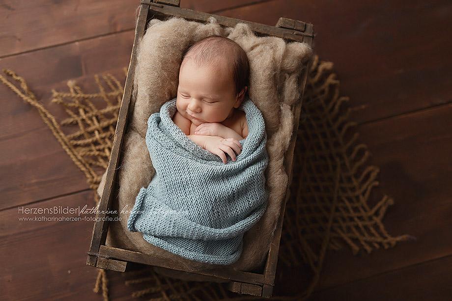 baby schläft neugeborenenfotograf nidda