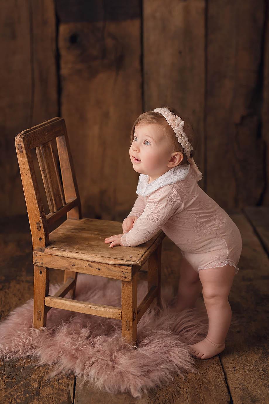 shooting-baby-kindershooting-nidda-giessen-maedchen-fotograf-nidda-giessen-frankfurt-hanau-friedberg-shooting-kindershooting-altrosa-zart